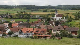 In Bözen wurde am Donnerstagabend die Auswertung der zweiten Bevölkerungsumfrage in Sachen neuer Gemeindename bei einer Fusion von Bözen, Effingen, Elfingen und Hornussen bekannt gegehen.