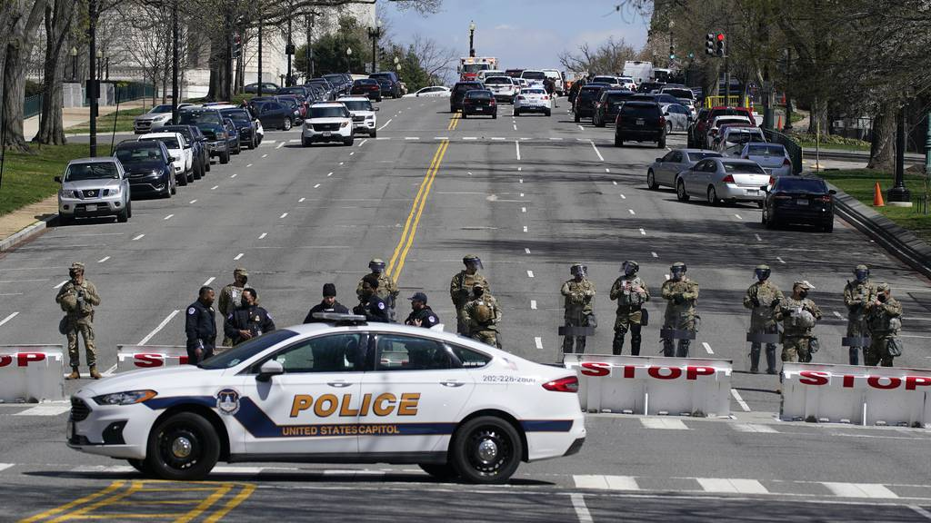 Angreifer rammt Polizisten am US-Kapitol - Fahrer und ein Beamter tot
