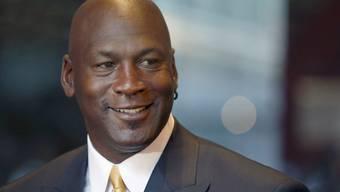 Sein Vater war 1993 auf einem Rastplatz an einer Autobahn erschossen worden: Michael Jordan. Heute besitzt der sechsfache NBA-Champion mehrheitlich das NBA-Team Charlotte Hornets. (Archiv)