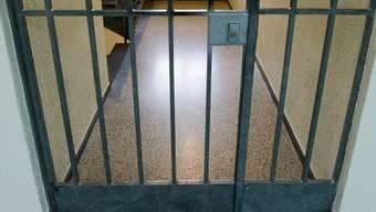 Ein Häftling hat seine eigene Zelle angezündet (Symbolbild)