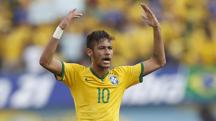 2010 gab Neymar in der brasilianischen Nationalmannschaft sein Debüt. Bisher kam er zu 77 Einsätzen und erzielte dabei 52 Tore.
