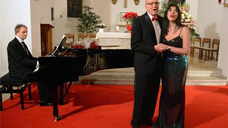 In der Kirche in Ifenthal begeisterten Starsängerin Noëmi Nadelmann und Stephan Jäggi mit André Desponds (Klavier)die Besucher des Gala-Konzertes.