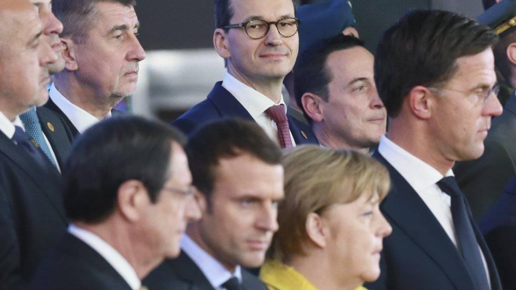 25 EU-Staats- und Regierungschefs haben am Donnerstag in Brüssel am Rande des EU-Gipfels mit einer Zeremonie den Start der «Ständigen Strukturierten Zusammenarbeit» (Pesco) in Verteidigungsfragen gefeiert.