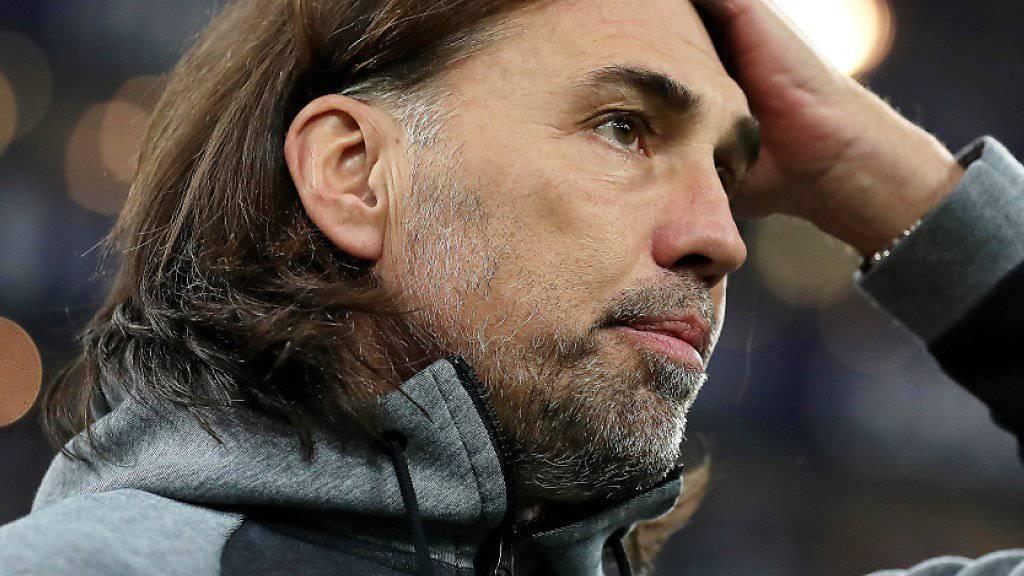 Er kann es nicht fassen: Martin Schmidt spielte auch im siebten Spiel mit Wolfsburg unentschieden