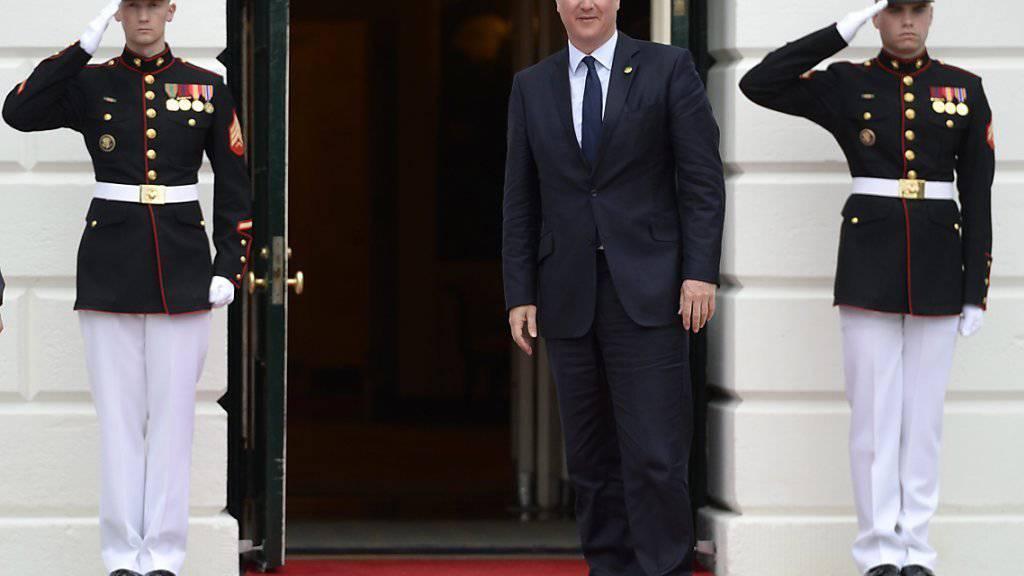 Die Enthüllungen der Panama Papers setzen Cameron unter Druck - der britische Premier räumte Fehler ein.