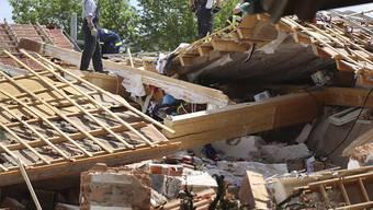Die Explosion hat das Wohnhaus im Deutschen Rettenbach am Sonntag komplett zerstört.