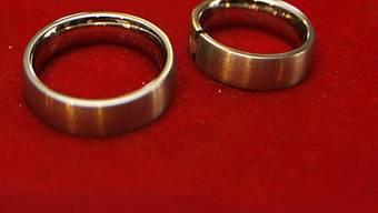 Ehepaare sollen weniger zahlen (Archiv)