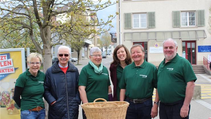 Sie haben Werbung für die Naturfreunde in Langendorf gemacht, denn Nachwuchs wird gesucht (von link nach rechts): Rita Egger, Horst Leinhaas, Barbara Geiser, Christine Wälchli, Armin Elsener und Bruno Geiser (Ehrenpräsident).