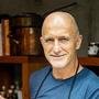 Richard Kägi, 62, weiss fast alles über gutes Essen, gutes Trinken und ein gutes Leben. Sein neues Kochbuch erscheint im Herbst.