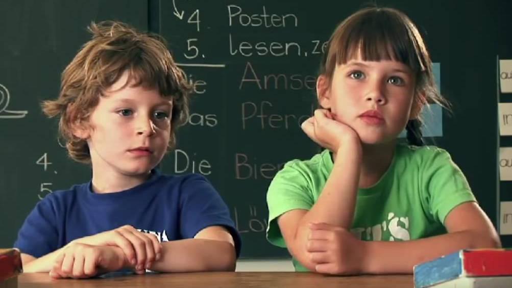 Kinder in Schulzimmer