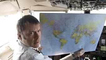 Iron- Maiden-Sänger Bruce Dickinson im Cockpit. (Archiv)