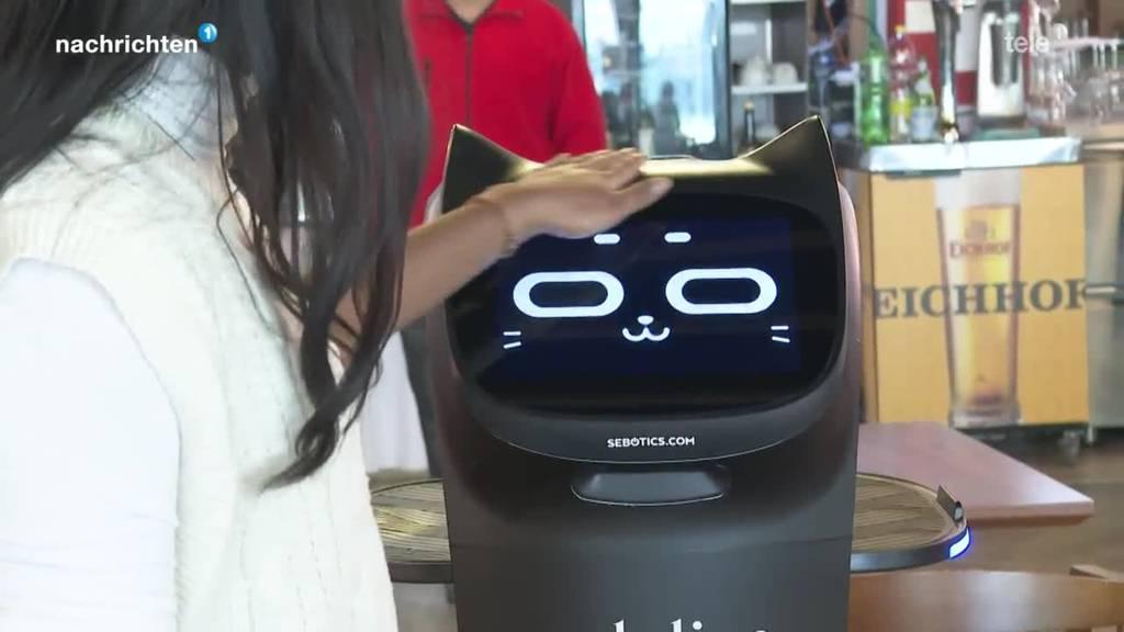 Erster Serviceroboter in der Gastronomie in Ebikon