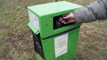 Das Fahrzeug kann ebenfalls als mobiler Hochdruckreiniger für die Reinigung von Kehrichtbehältern und Robidogs eingesetzt werden.