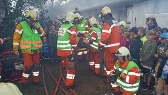 Die Feuerwehr Weiningen zeigen ihr können.