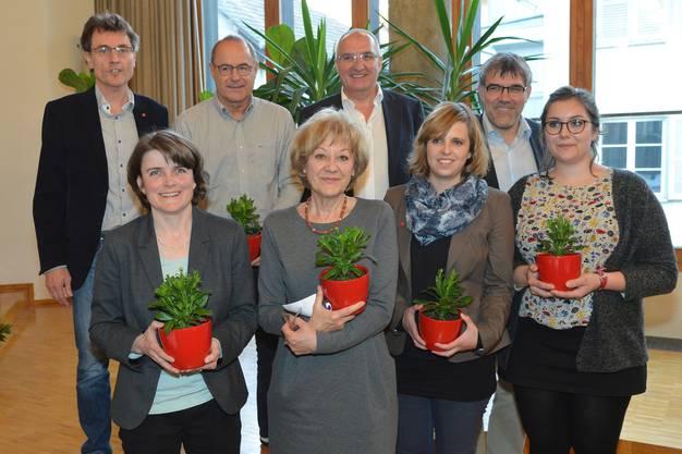 Bei der Nomination für die Wahlen 2015: Erstnachrückende für Susanne Leutenegger Oberholzer (vorne, Mitte) ist Kathrin Schweizer (vorne, links). Sollte diese verzichten, käme Samira Marti (vorne, rechts) an die Reihe.