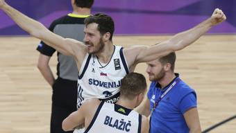 Slowenien feierte in Istanbul den ersten grossen Triumph an Titelkämpfen
