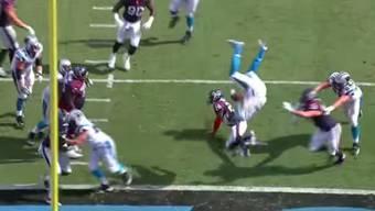 Mit Salto zum Touchdown: Cam Newton gelingt im American Football ein unglaubliches Kunststück!