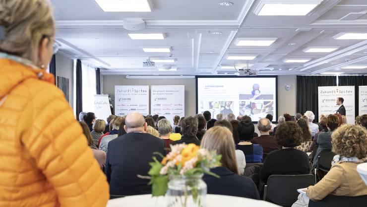 An der Fachtagung «Zukunft: Spitex» treffen sich jährlich die Spitzen der Spitex-Organisationen aus der Deutschschweiz. An der diesjährigen Tagung in Olten diskutierten rund 120 Spitex-Top-Kader unter dem Motto «Innovation, Inspiration» die Zukunft der Spitex. Bild: Sabrina Stäubli, Basel
