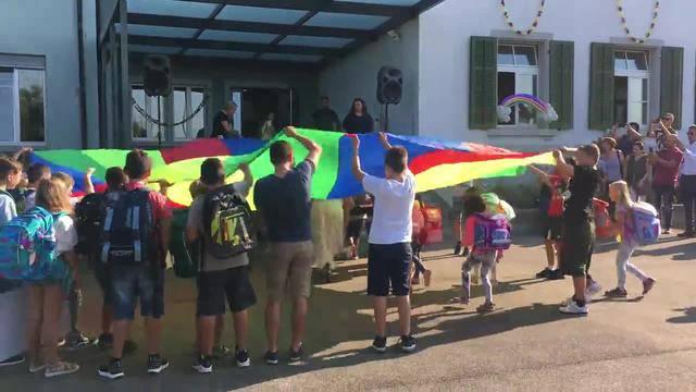Erster Schultag für 20 Kinder des Schulhauses Letten