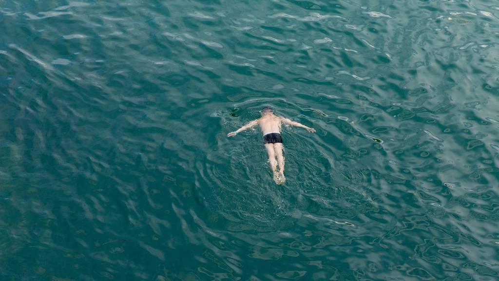 Vorsicht beim Schwimmen in Flüssen und Seen. (Symbolbild)