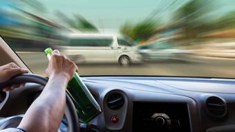 Wer mit Alkohol am Steuer erwischt wird, muss je nach Promillewert den Fahrausweis abgeben – doch auch aus        charakterlichen oder psychischen Gründen kann der Ausweis entzogen werden.