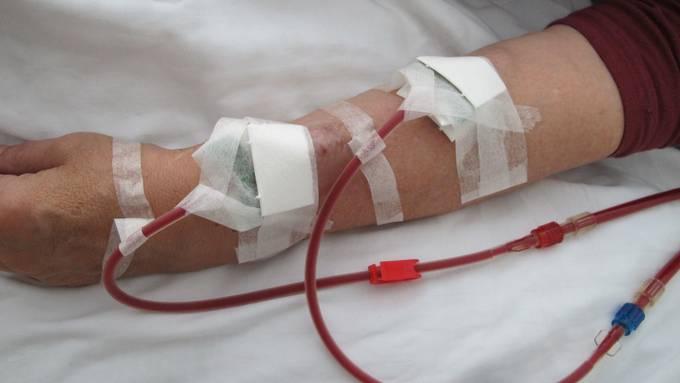 Antibiotika sind entscheidend bei der Behandlung einer schweren Blutvergiftung.