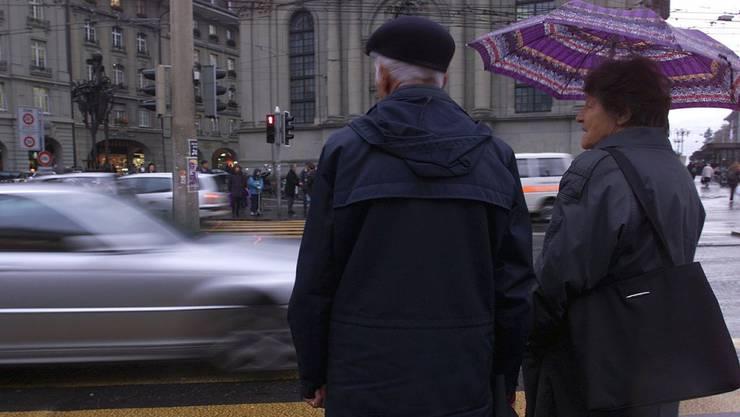 Rund über 50 Prozent der getöteten Fussgänger im Strassenverkehr sind älter als 65. (Symbolbild)