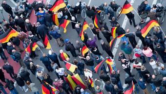 Junge wählen die AfD. Hier an Protesten in Chemnitz.