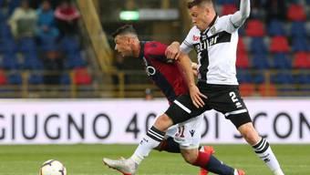 Blerim Dzemaili (links) trieb Bolognas Spiel gegen Parma an