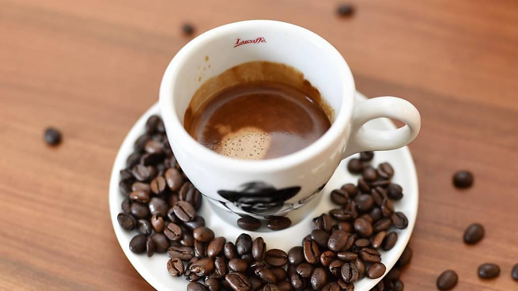 Eine Tasse Kaffee ist günstiger als letztes Jahr
