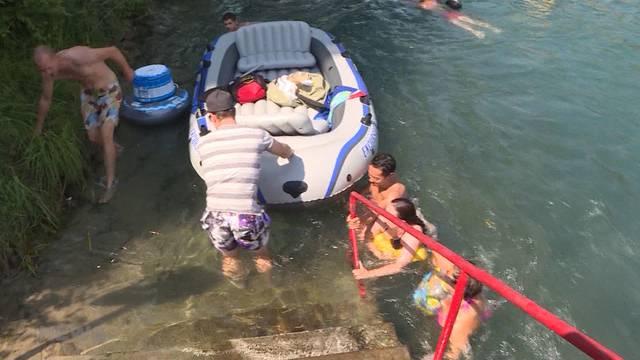 Aareböötler vs. Aareschwimmer: Heikle Szenen beim Marzili