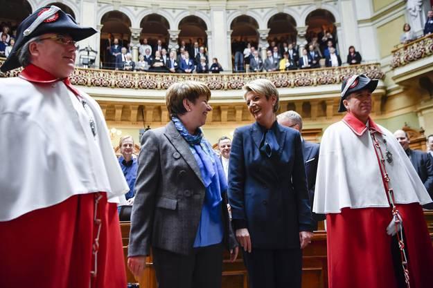 Im Dezember wählt die Schweiz zwei Frauen in den Bundesrat.