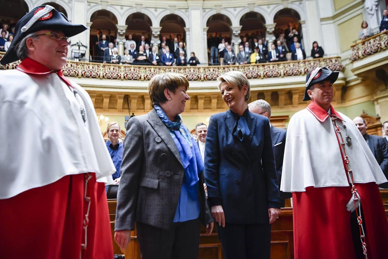 Im Dezember wählt die Schweiz zwei Frauen in den Bundesrat. (© Keystone)