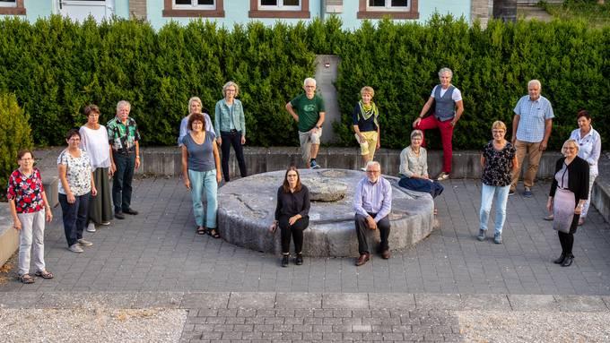 Das Projektteam traf sich im September 2020 zum Kick-Off-Meeting bei der Schälismühle. Hintere Reihe dritter von rechts ist Christoh Schwager (Autor und Regisseur), links neben ihm ist Irma Stöckli (Projektleiterin).