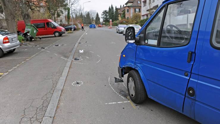 Der Lenker des Motorrades musste mit mittelschweren Verletzungen ins Spital gebracht werden.