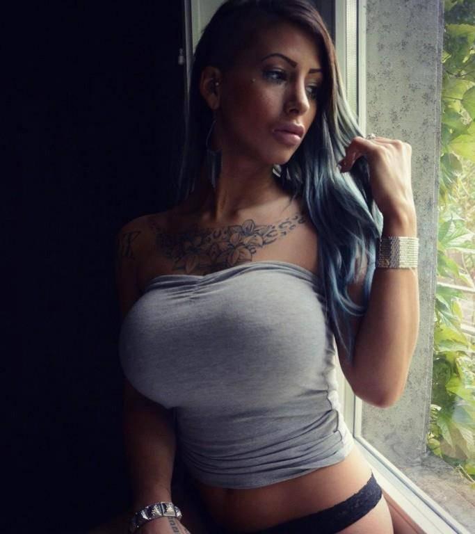 Bachelor-Kandidatin Bellydah (© Instagram)