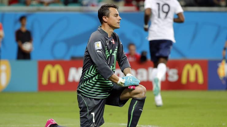 Schenkte seinen Mitspielern mit dem gehaltenen Penalty die Chance zur Wende. Hätte zumindest das 0:2 verhindern müssen.