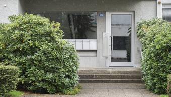 In diesem Haus in Zollikon wurde das Ehepaar vom Sohn erstochen.