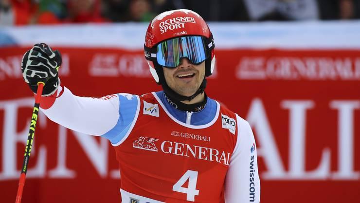 Loïc Meillard wird starker Zweiter und freut sich.