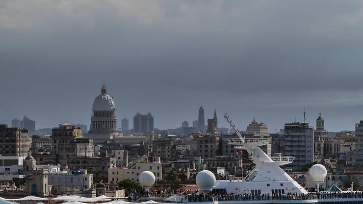 Nach der Einschränkung von Schiffsreisen haben die USA nunmehr auch Flüge aus den USA nach Kuba gekappt, um das kommunistische Regime in Havanna zu schwächen. (Archivbild)