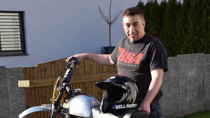 Roland Büchi: Auch auf der Motocross-Strecke fährt er zuweilen mit seiner Oldtimter-BSA eine harte Linie. archiv/Toni Widmer