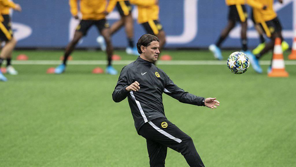Die Young Boys (im Vordergrund Trainer Gerardo Seoane) bestreiten das Playoff-Hinspiel in der Champions League gegen Roter Stern Belgrad vor ausverkauften Rängen