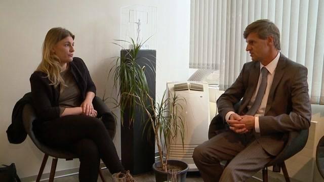 Gefängniswärterin Angela Magdici im TalkTäglich