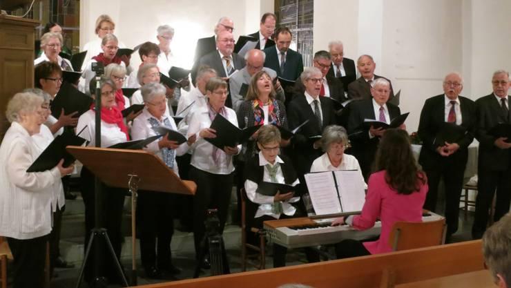 Chöre Singen Weihnachtslieder.Adventskonzert Gemischter Chor Brugg Und Chor 02 In Der Kirche