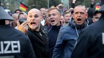 Die Polizei hielt die Demonstranten in Chemnitz mit einem Grossaufgebot im Zaum.
