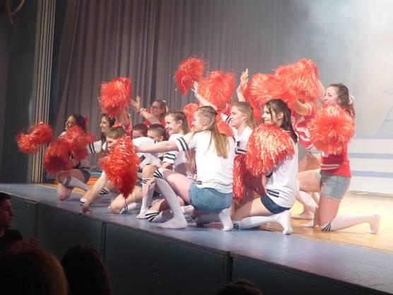 Hurra, die High School ist ausan der Turnershow-Premiere in Wöflinswil.