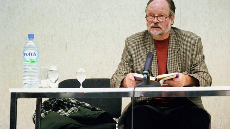 Gerold Späth bei einer Lesung 1998.