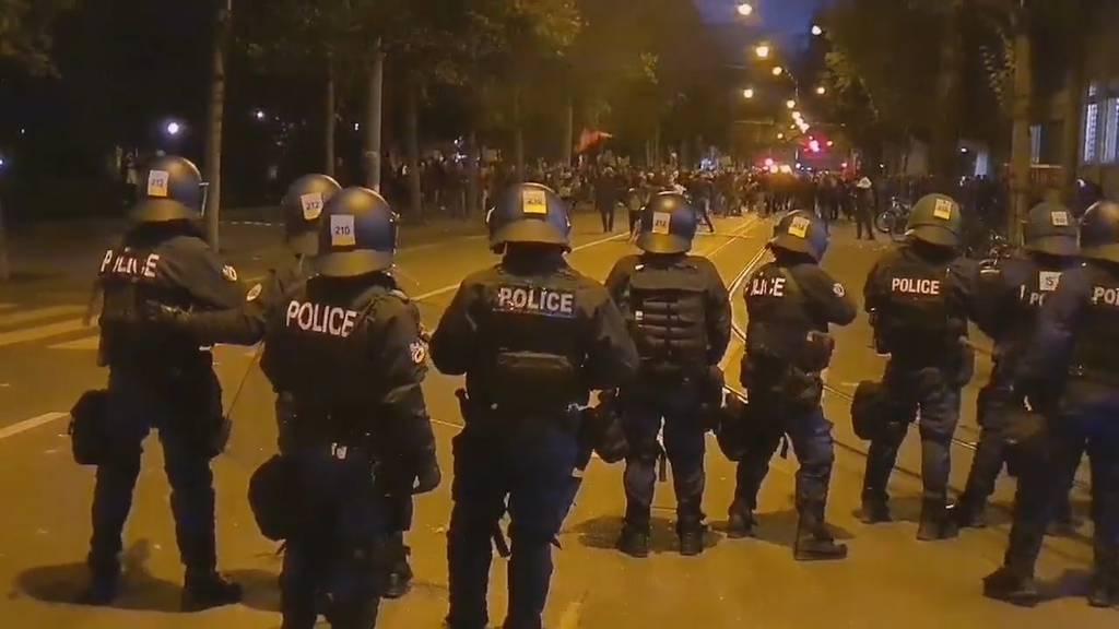 Polizei setzt erneut Wasserwerfer und Gummischrot ein