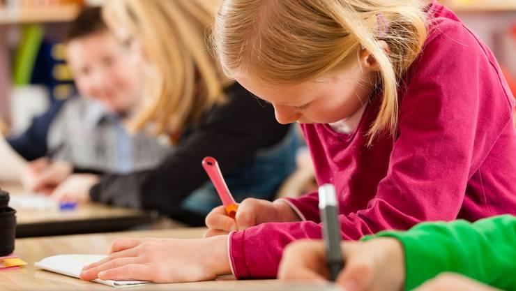Im Aargau zwei Prüfungen in der Volksschule abgeschafft werden (Symbolbild).