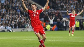 Thomas Müller feiert seinen Treffer zum 2:0 für die Bayern.